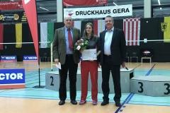 Übergabe des Titels beste Trainerin für Carla Strauß in Gera