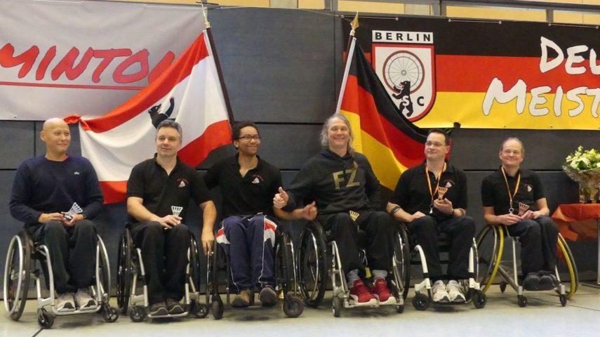 Rick Hellmann vom Rollstuhl-Sport-Club Berlin (3 v.l.) bei der Deutschen Meisterschaft - Foto: Wilhelm Seibert