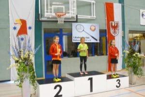 Siegerehrung / ME-AK U 9: 1.Pl.: Jette Berge (BV Tröbitz); 2.Pl.: Theresa Wendt; 3.Pl.: Charlotte Wendt (beide TSV Wedding)