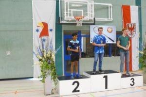 Siegerehrung / JE-AK U 15: 1.Pl.: Nico Matuschek (BV Tröbitz); 2.Pl.: Abhijeet Padil; 3.Pl.: Jonas Barz (beide SC Siemensstadt)