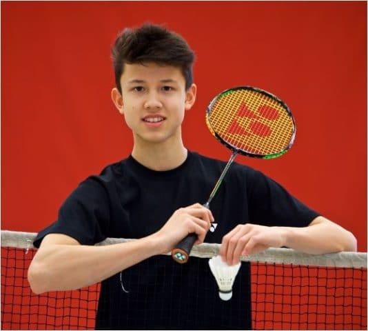 Kian-Yu sicherte sich bei den DM U15 in Gera den zweiten Platz im Einzel und wurde Nachwuchssportler des Monats April.